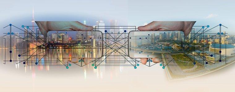 город-панорама-смартфоны