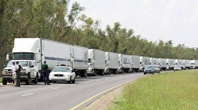 Тридцать  грузовиков, заполненных 5-центовыми монетами
