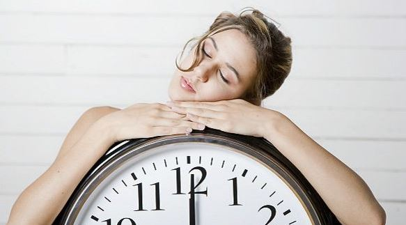 наиболее естественное время отхода к дневному сну – между 2 и 4 часами дня
