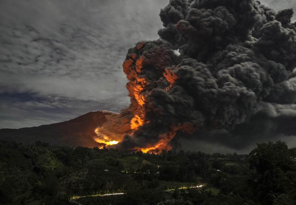 вулкан-извержение