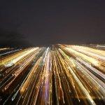 Скорость света может показаться огромной, но не всегда