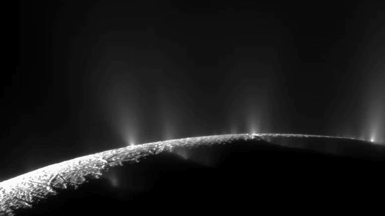 Plumes on Enceladu