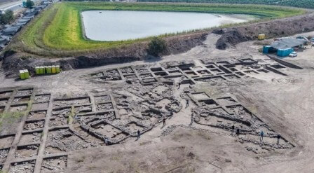 Археологи обнаружили в Израиле остатки города раннего бронзового века возрастом 5000 лет