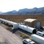 По тоннелю Hyperloop впервые проехали два пассажира